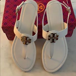 NIB Tory Burch Bryce thong sandal/Veg leather SZ11